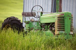 John Deere A in Grass