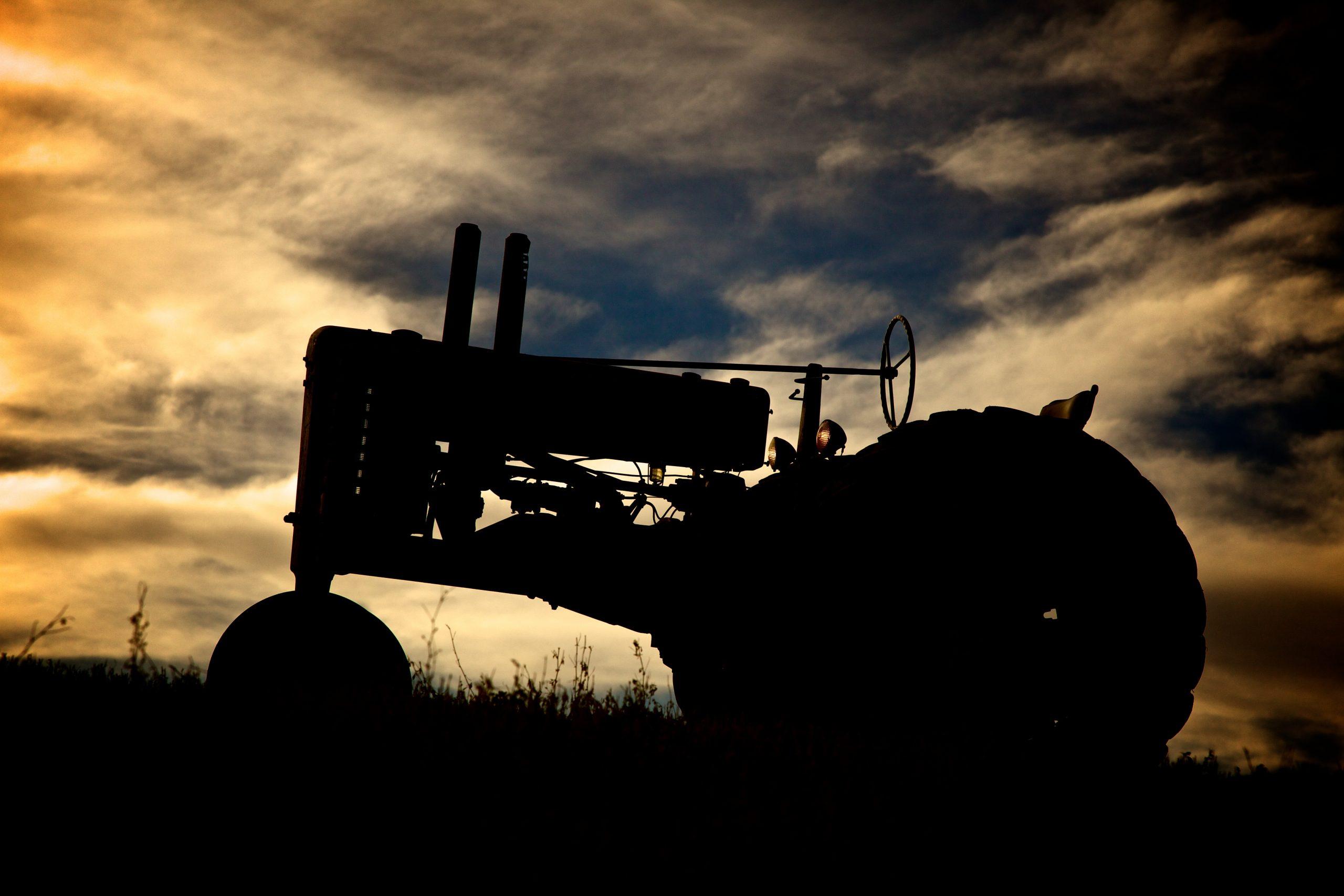 John Deere A silhouette